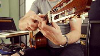 Zu kurze und zu dicke Finger um Gitarre zu lernen - was hilft wirklich?